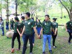 finalis-nyong-noni-sulut-2017-bermain-di-rumah-alam_20170915_201247.jpg