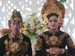 foto-bersama-pasangan-pengantin-dedi-dan-lestari-pengantin-yang-sempat-viral.jpg
