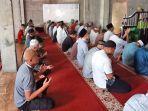 foto-ilustrasi-suasana-sholat-zuhur-di-masjid-baitul-khoir-minggu-10-oktober-2021.jpg