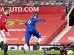 gelandang-everton-prancis-abdoulaye-doucoure-mencetak-gol-pertama.jpg