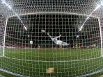gol-spektakuler-cristiano-ronaldo-untuk-portugal.jpg