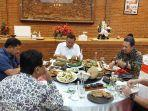 gubernur-kerap-menjamu-tamu-vip-untuk-makan-malam-di-rumah-kediaman-pribadinyafgfg.jpg