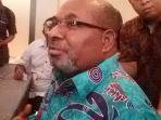 gubernur-papua-lukas-enembe_20170904_101341.jpg