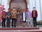 gubernur-sulawesi-utara-olly-dondokambey-didampingi-ketua-tp-pkk-suluthggfh6867867.jpg