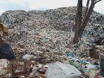 gunungan-sampah-di-tpa-sumompo-manado-kian-tinggi-09.jpg