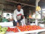 harga-tomat-di-boltim-anjlok-hingga-rp2-ribu-per-kilogram.jpg