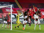 hasil-liga-inggris-southampton-vs-manchester-united-cavani-mencetak-gol3.jpg