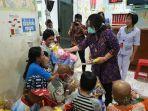 hut-ke-58-gubernur-olly-istri-sambangi-klinik-estela-ketemu-anak-anak-pasien-kanker.jpg