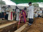 ibadah-pemakaman-jenazah-pastor-marcellus-rarun.jpg