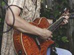 ilustrasi-gitar-1212.jpg