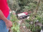 ilustrasi-kecelakaan-truk-tangki-bbm-masuk-jurang.jpg