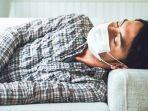 ilustrasi-orang-kelelahan-tidur-pakai-masker.jpg