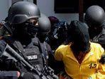 ilustrasi-penangkapan-teroris-oleh-densus-88-di-bantul-diy.jpg