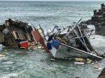 ilustrasi-perahu-hancur.jpg