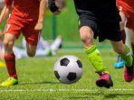 ilustrasi-sepak-bola.jpg