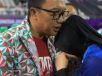 imam-nahrawi-bersama-tim-voli-duduk-indonesia_20181011_165049.jpg