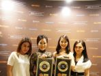 jakarta-aesthetic-clinic-terima-golden-record-award-2017_20170725_213916.jpg