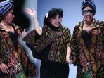 jakarta-fashion-week-2019-menteri-susi-pudjiastuti_20181024_095205.jpg