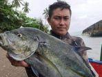 jenly-lombonaung-nelayan-asal-desa-mobongo-yang-tewas-tenggelam-di-teluk-amurang.jpg