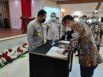 jhon-sarjono-menandatangani-pks-tentang-penyediaan-fasilitas-perumahan.jpg