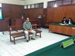 junjungan-tambunan-di-pengadilan-negeri-manado_20181015_141835.jpg