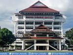 kantor-gubernur-sulawesi-utara.jpg