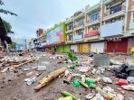 kawasan-megamas-manado-penuh-dengan-sampah-plastik.jpg