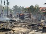 kebakaran-barak-pekerja_20151016_101824.jpg