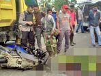 kecelakaan-drs-a-samad-wahid-56-pengendara-motor-yang-bertabrakan-dengan-truk-di-langsa-aceh.jpg