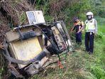 kecelakaan-maut-di-kab-bandung-mobil-off-road-masuk-jurang-30-meter-wisatawan-tewas.jpg