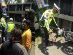 kecelakaan-maut-pemotor-tewas-tertindih-truk-di-kabupaten-boyolali-minggu-1392020.jpg