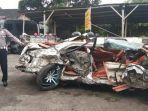 kecelakaan-mobil-sedan-hancur-setelah-tabrakan-di-jalan-yogyakarta-solo-delanggu-klaten.jpg