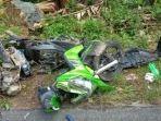 kecelakaan-sepeda-motor-yang-bertabrakan-dengan-sebuah-mobil-di-jalan-panglima-awang.jpg