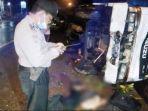 kecelakaan-truk-isuzu-panther-dan-motor-honda-beat-rabu-332021-seorang-pengemudi-motor-tewas.jpg