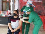 kegiatan-vaksinasi-untuk-para-pekerja-publik-termasuk-guru.jpg
