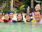 keluarga-pasangan-selebriti-zaskia-adya-mecca-dan-hanung-bramantyo.jpg