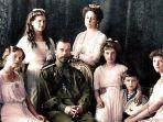 keluarga-tsar-nicholas-ii-33322.jpg