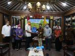 kepala-perwakilan-unicef-indonesia-di-surabaya-ermi-ndoen-usai-bertemu-jhgj.jpg