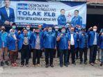 ketua-dan-perwakilan-dpd-partai-demokrat-dari-34-provinsi-seluruh-indonesia-121212.jpg