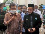 ketua-dewan-masjid-indonesia-dmi-jusuf-kalla-di-gereja-katedral-makassar.jpg
