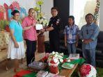ketua-kpu-sitaro-didampingi-komisioner-panwas-kabupaten-sitaro_20180120_204006.jpg