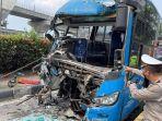 kondisi-bagian-depan-bus-transjakarta-yang-terlibat-kecelakaan-di-mt-haryono.jpg
