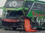kondisi-bus-usai-alami-kecelakaan-tabrak-truk-tronton.jpg