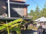 kondisi-kepala-truk-tertimpa-besi-seberat-20-ton-kamis-2752021.jpg