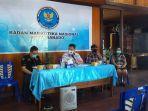 konferensi-pers-di-kantor-bnnk-manado-rabu-18112020.jpg