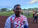 legenda-sepakbola-indonesia-firman-utina-menjadi-talent-scouting-persmin-football-acadjhhgjgj.jpg