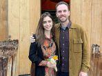 lily-collins-resmi-menikah-dengan-charlie-mcdowell.jpg