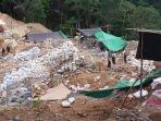 lokasi-tambang-ilegal-yang-terjadi-di-desa-bakan-kabupaten-bolmong-sulutjhgjhgj.jpg