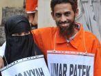 mantan-teroris-bom-bali-umar-patek-dan-istrinya-ruqayyah1.jpg