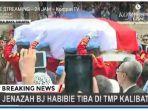masih-berlangsung-prosesi-pemakaman-bj-habibie-tonton-di-ponsel-sekarang.jpg